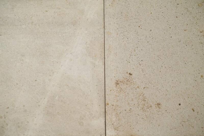 Limestone Crema Europa Pulida 30.5X30.5