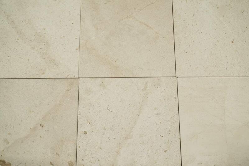 Limestone Crema Europa Honed Fossil 30.5X30.5 S/E 10 pza por Caja