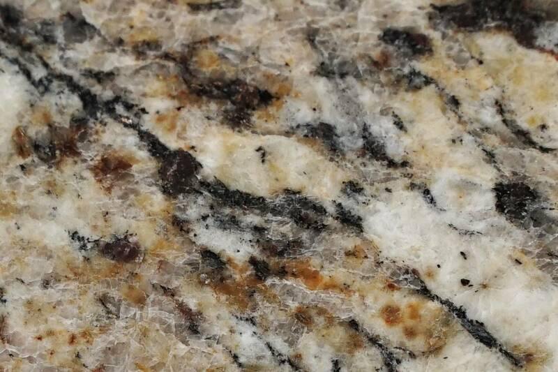 Granito Amarillo Sta. Cecilia 40.6X40.6X1.3