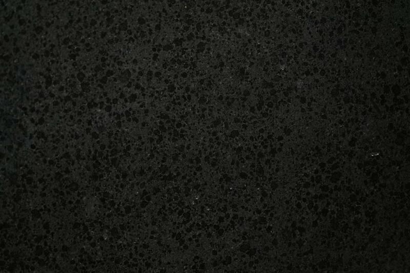 Granito Black Pearl Pulido 1.20X60x1.5 S/E