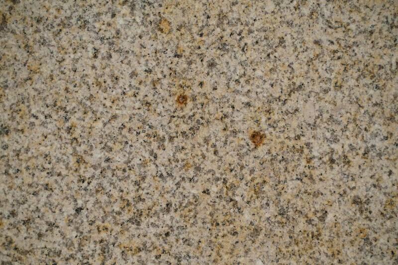 Granito Golden Pearl 1.20X60x1.5