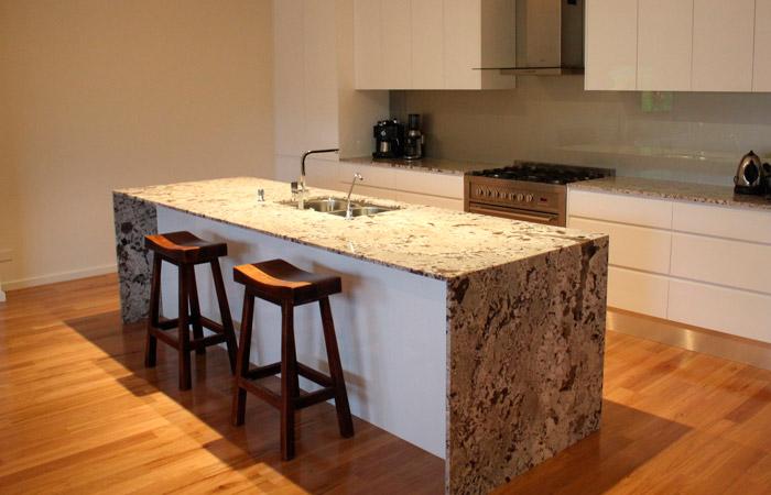Granitos marmoles puente placas para cubiertas pisos for Loseta para cocina