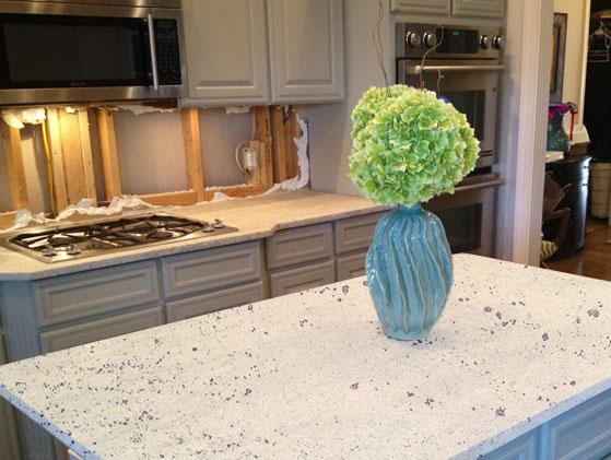 Granito blanco kashmir for Marmoles y granitos naturales