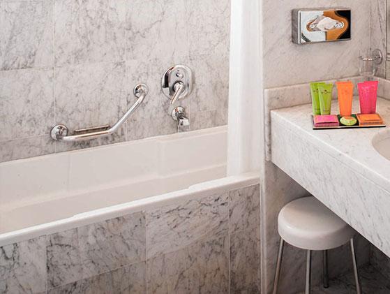 M rmol blanco carrara selecto for Color marmol carrara