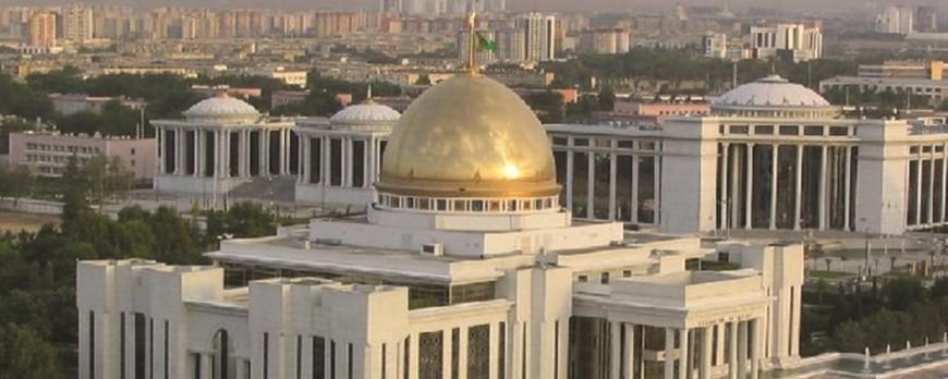 Turkmenistán derrocha elegancia con sus edificios de mármol blanco